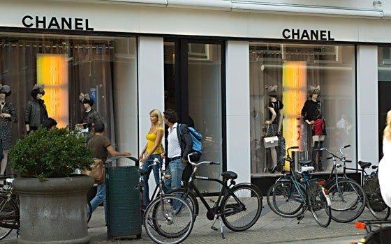 520_fullimage_amsterdam shopping chanel_560x350