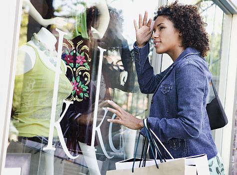 aa-woman-window-shopping